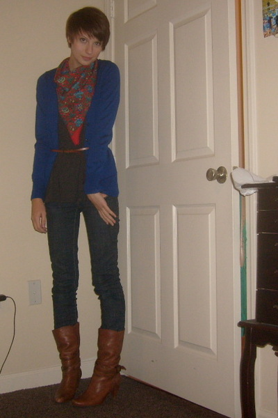 scarf - Old Navy t-shirt - Gap sweater - Charlotte Russe jeans - Urban Outfitter