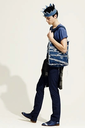 blue acne jeans - blue acne shoes - blue acne purse - blue acne t-shirt - blue a