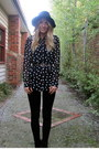 Black-bcg-boots-black-leggings-levis-jeans-black-wool-jay-jays-hat