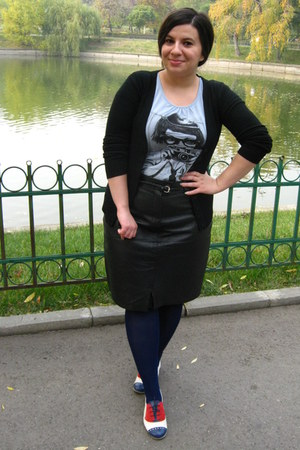 black skirt - navy tights - black cardigan - bb up loafers - light blue t-shirt