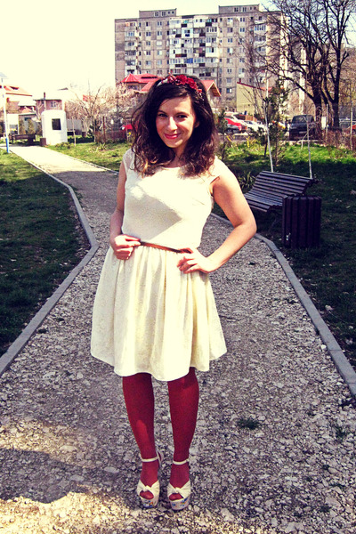 ivory Chi Chi dress - ruby red tights - cream modcloth sandals - brown belt