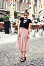 Light-pink-shein-pants-black-dresslink-necklace-black-steve-madden-sandals