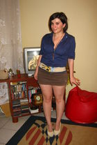 blue shirt - brown skirt - yellow - beige burp belt - -