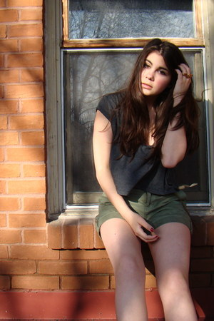 gray crop top American Apparel shirt - army green high waisted banana republic s