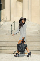 heather gray cable knit UNIF sweater - black leather Miista shoes