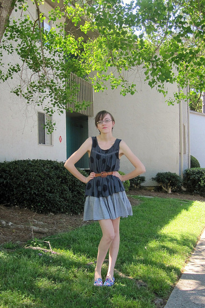 amethyst asos flats - charcoal gray Old Navy shirt - heather gray VS pink skirt