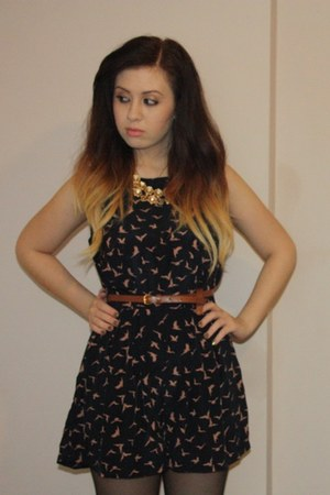 navy swallow print AX Paris romper - brown leather Topshop belt