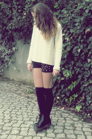 cream jumper - black boots