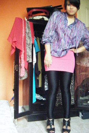 thrifted shirt - Forever21 t-shirt - Forever21 leggings - Retail Therapy Jakarta