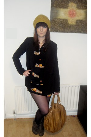 black fruit shopblanaidcom dress - mustard wool gift hat - black thrifted blazer