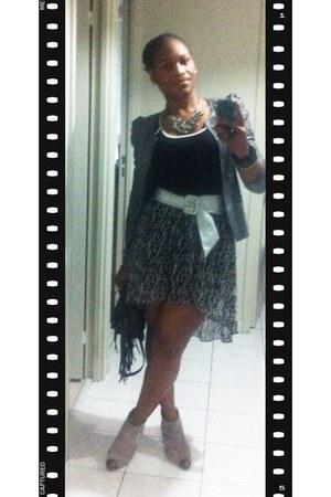 heather gray suede Zara boots - black animal print Mango skirt