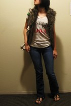 american eagle outfitters t-shirt - BB Dakota vest - Le Vert accessories - Earne