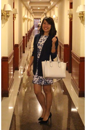 blue For Me dress - navy Forever 21 blazer - white Charles & Keith bag