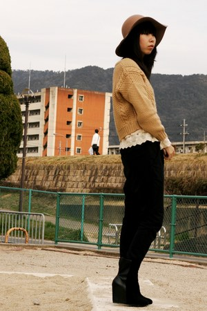 black boots - tan hat - beige ingni sweater - cream snidel top