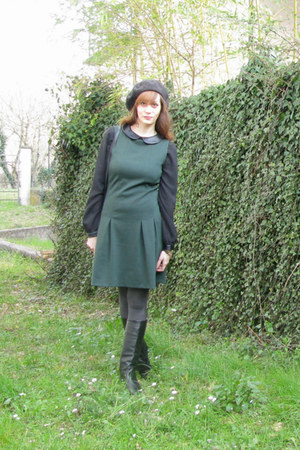 green pinafore ovs dress - black leather vintage boots