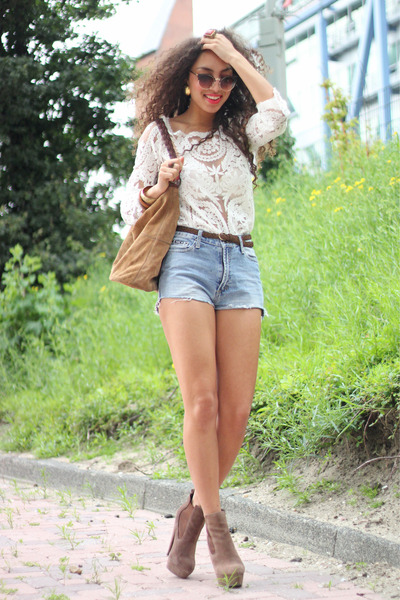 Chicwish blouse - suede boho H&M bag - vintage shorts
