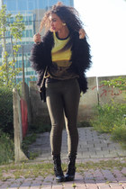black fluffy fur coat Modemusthaves cardigan - black have 2 have boots