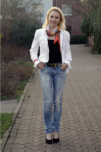 violet REPLAY jeans - white S Oliver jacket - carrot orange silk Hermes scarf -