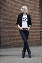 black ankle EDC boots - navy skinny jeans - black Review jacket - white Monsieur