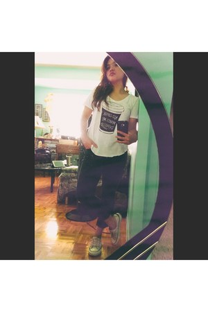 white Converse shoes - white hollister shirt - black Forever 21 pants