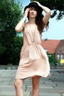 Neutral-h-m-dress-black-h-m-hat-brown-zara-heels