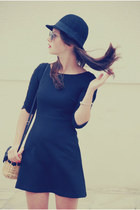 black Zara dress - black H&M hat - eggshell New Yorker bag