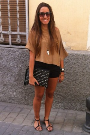 H&M shirt - Bershka bag - H&M shorts