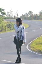 Zara top - black leggings - black boots