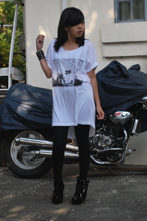 Zara oversized shirt - from Baguio studded cuffs accessories - Summersault boots