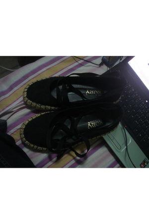 black department store shoes