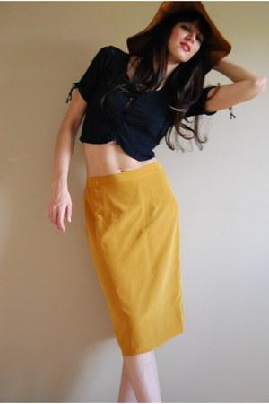 skirt - hat - shirt