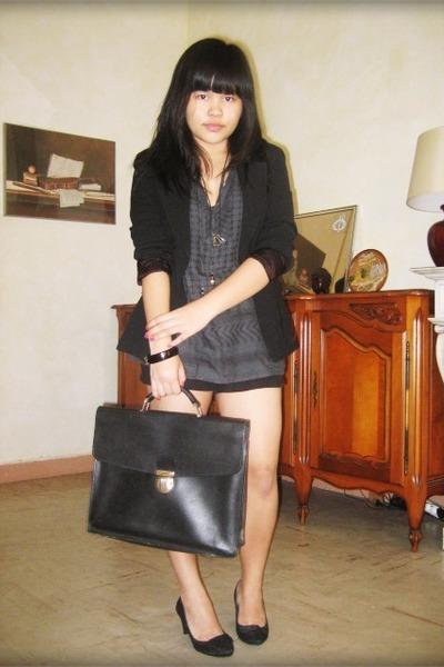 black San Marina shoes - black Shopin purse - black H&M shorts - Bershka blouse