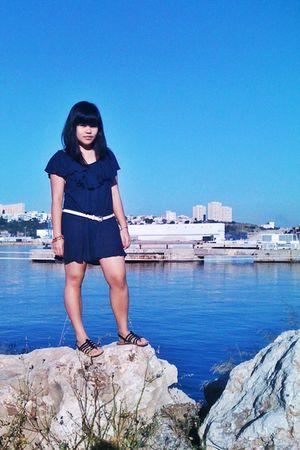 blue Mango dress - white belt - black Paris Mode shoes