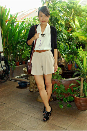 black seed cardigan - black Charles & Keith shoes - white moms top - beige short