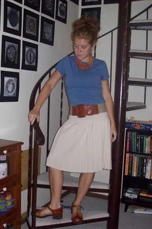 t-shirt - skirt - necklace - shoes