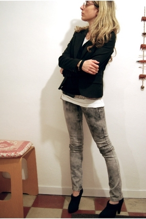 blazer - jeans - shoes