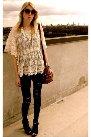 white lace top Forever 21 top - black Urban Outfitters shoes