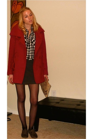 red vintage coat - black thift store blouse - gray Aldo shoes - gray Forever 21