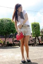 white top - black belt - shorts - black shoes - pink purse - silver accessories