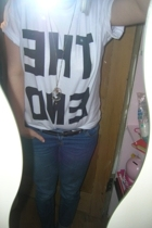 Print Liberation t-shirt - Topshop jeans - Miss Selfridges necklace