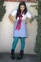 Hanes shirt - skirt - ribbon accessories - DKNY tights - Alice  Olivia boots
