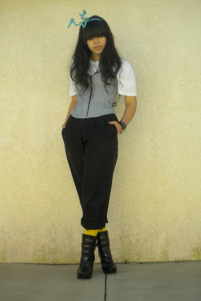 white t-shirt - black pants - black aliceolivia for Payless boots - yellow DKNY