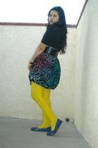 Delias shirt - apostrophe skirt