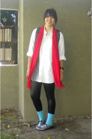 white Nordstrom shirt - black Mascara leggings - blue socks - red Jones New York