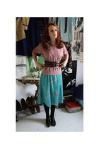 turquoise blue second hand dress - bubble gum second hand shirt