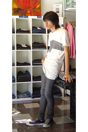 DRKSHDW t-shirt - april 77 jeans - Converse shoes