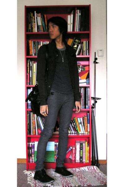 jacket - t-shirt - jeans - shoes