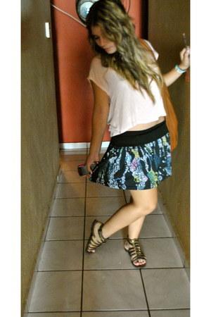 printed skirt skirt - tawny boho Valija Gitana bag - bronze flats