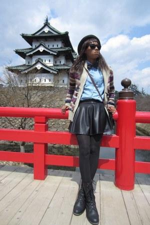black F21O skirt