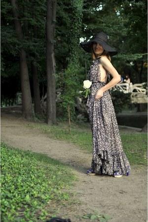 H&M hat - La Demoisella dress - Bershka sandals